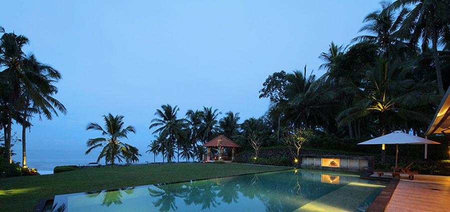 Walking At Beach House Villa Bali Slideshow Image 1 1a